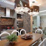 cozinha decorada com mesa de jantar